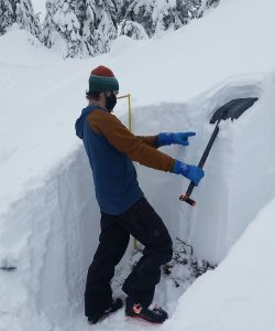 Pointing out a couple storm interfaces that formed in the top 40cm since Nov 18th