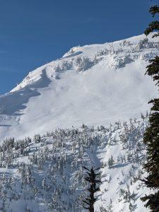 Natural D2.5 soft slab on an east slope at 6000'