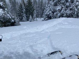 5840 ft, East, 32 deg slope, crack at switch back