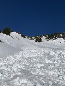 Large avalanches near Edith's Rib and Sluiskin Falls