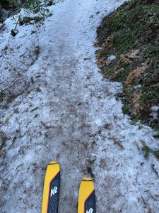 Icy and difficult skiing on the Tilley Jane trail