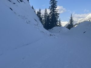 Small loose wet on steep E facing slopes