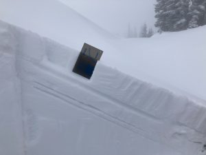 10cm of new snow well bonded to the 3/14 melt-freeze crust