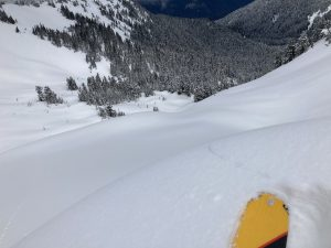 Cracking in a small cornice formation on an east aspect at 6000ft