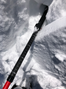 Small (~4cm) wind slabs were forming on N aspects around 5.75k'~6.25k'.